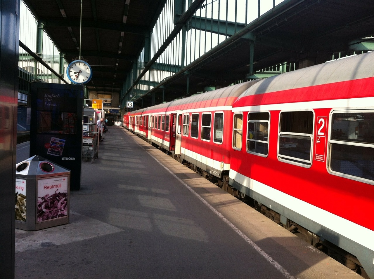 train station-169989_1280